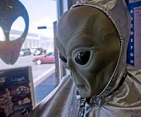 Roswell UFO RETURNS: Couple terrified after object swoops over car in dead of night